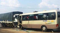 Đắk Nông: Xe khách đối đầu xe tải, 20 người thương vong
