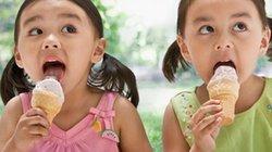 """Để không bị """"ho rũ ruột"""", đừng ăn kem theo cách này"""