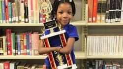 Bé 7 tuổi không tay đoạt giải chữ đẹp quốc gia Mỹ
