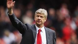 """HLV Wenger bất ngờ trì hoãn gia hạn, tình bài """"chuồn"""" khỏi Arsenal?"""