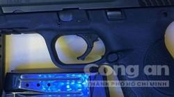 Cuộc giải cứu 2 cô gái khỏi 2 tên cướp nhí có súng