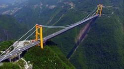 Vẻ đẹp choáng ngợp của cầu treo cao nhất thế giới