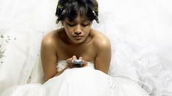 Chú rể quyết ly hôn sau cưới vì cô dâu mải nhắn tin