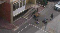 Thanh tra thuế Kiev dùng búa phá cửa lục soát Làng Sen người Việt