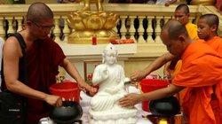 Lễ tắm Phật cầu an của người Khmer