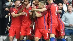 """Trước thềm EURO 2016, Ferdinand khiến CĐV tuyển Anh """"sôi máu"""""""