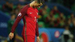 "Ronaldo nhận ""mưa đá"" sau trận hòa Iceland"