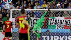 """Clip: Những pha cứu thua """"đỉnh"""" nhất tại vòng bảng EURO 2016"""