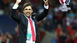 """Vào tứ kết EURO 2016, HLV Coleman cảm ơn """"thần may mắn"""""""