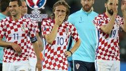 Chùm ảnh Modric rơi lệ khi Croatia thua Bồ Đào Nha
