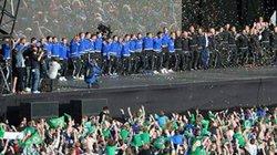 Bị loại, ĐT Bắc Ireland vẫn được chào đón như người hùng