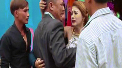 Bố khóc nức nở tiễn con gái về nhà chồng khiến ai cũng thổn thức