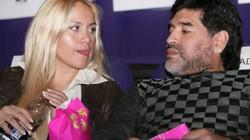 """Maradona tiếp tục bị phanh phui sở thích tình dục """"quái dị"""""""