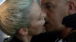"""Sự thật """"khủng khiếp"""" sau nụ hôn nóng nhất Fast 8"""