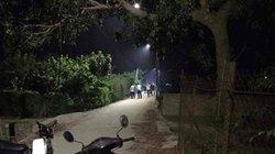 Một phụ nữ chết bất thường trên đường, nghi bị giết
