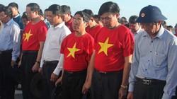 Giữa sóng gió Trường Sa, nghẹn ngào tưởng niệm các liệt sỹ Gạc Ma