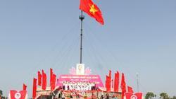 Xúc động Lễ Thượng cờ Ngày hội Thống nhất non sông