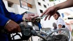 Xăng dầu đồng loạt giảm 300 đồng từ 15h hôm nay