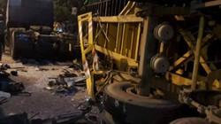 Tông xe container trong đêm, tài xế xe khách chết thảm trong cabin