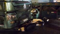 Va chạm xe container trên đường về, nữ công nhân chết thảm