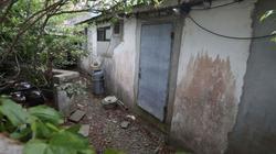 """Du khách xếp hàng thăm nhà cũ """"xập xệ"""" của tân Tổng thống Hàn Quốc"""