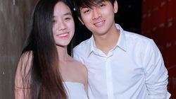 Bạn gái xinh đẹp cổ vũ Hoài Lâm hát Chung kết The Voice