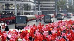 Triều Tiên ngợp cờ hoa đón những người có công phóng tên lửa thành công