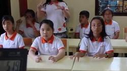 """""""Choáng"""" với màn tính nhẩm siêu nhanh của học sinh"""
