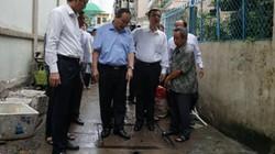 Bí thư Nguyễn Thiện Nhân thị sát điểm ngập lâu năm của TP.HCM