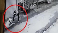 Clip: Táo tợn quật ngã, cướp dây chuyền trên cổ 1 phụ nữ