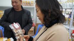 Tại sao phải ăn thực phẩm bẩn: Đưa miếng cơm vào miệng mà rờn rợn