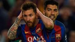 Mặc áo cũ của Barcelona phải... ngồi tù?