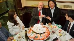 Muốn dùng bữa cùng Warren Buffet, bạn chỉ cần bỏ ra 61 tỷ thôi!