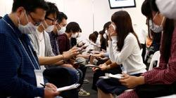 Muốn hẹn hò, nam thanh nữ tú Nhật Bản phải bịt kín mặt