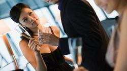 Chuyên gia Trịnh Trung Hòa: Đừng tin anh chàng khéo dụ bạn vào nhà nghỉ