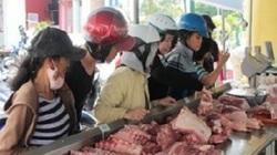 """Người dân Khánh Hoà chen chúc nhau """"giải cứu"""" thịt lợn"""