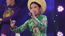 """Cô bé 12 tuổi """"lên đồng"""" với Hầu văn Huế khiến NS Thu Hiền """"bái phục"""""""