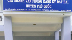 """2 """"sếp"""" Văn phòng Đăng ký đất đai Phú Quốc bị bắt"""