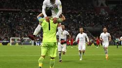 """Loạt """"đấu súng"""" trận Chile – Bồ Đào Nha lập kỳ tích hiếm có"""