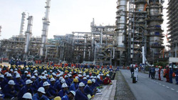 Hàng nghìn người tham gia bảo dưỡng nhà máy 3,2 tỷ đô