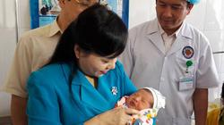 Bộ trưởng Bộ Y tế kiểm tra công tác y tế cơ sở ở Lào Cai
