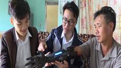 Học sinh trường làng mày mò chế cánh tay máy cho người khuyết tật