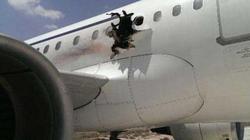 Ám ảnh vụ máy bay đột ngột thủng lỗ trên cao hàng nghìn mét