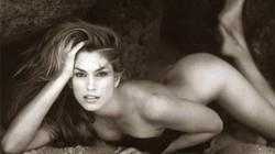 Siêu mẫu Cindy Crawford hối hận vì từng chụp khỏa thân