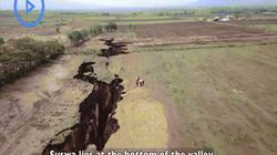Cận cảnh vết nứt khổng lồ đang tách đôi lục địa châu Phi