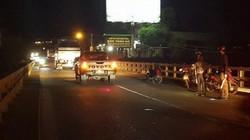 Xe máy gặp nạn trên cầu, hai người thương vong