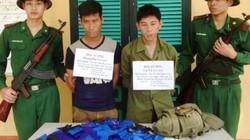 """Bắt giữ 2 người Lào có súng, vận chuyển ma túy """"khủng"""" vào Việt Nam"""
