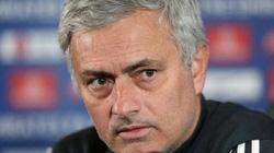 HLV Mourinho hé lộ mục tiêu ở trận derby Manchester