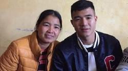 Nhận thưởng 1,5 tỷ đồng, tiền đạo Hà Đức Chinh xây nhà cho mẹ