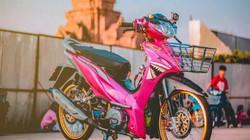 Mãn nhãn Honda Wave độ hồng, vành vàng, gắn camera hành trình